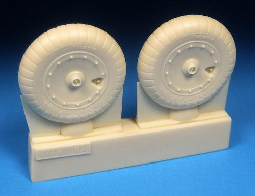 BCR32358 Fw 190 A-6 to A-9/F/D Main Wheels with Solid Hubs