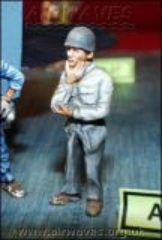 EW4844 Officer US Navy/Marines WW II with Steel Helmet